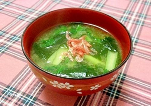 桜えびと小松菜の味噌汁