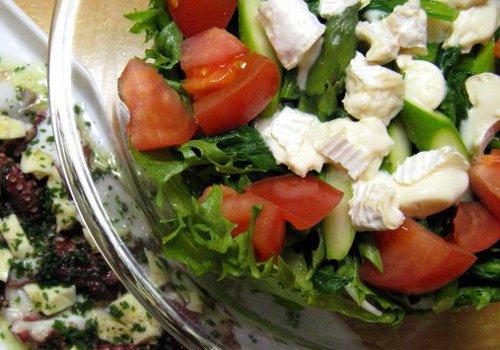 カマンベールチーズと春野菜のサラダ