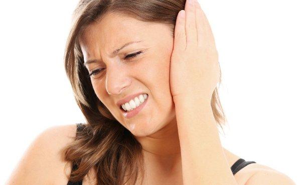 耳の穴に虫が侵入