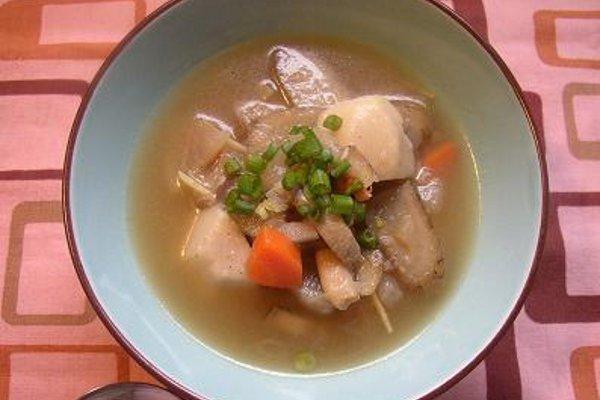 タコと根菜の味噌スープ